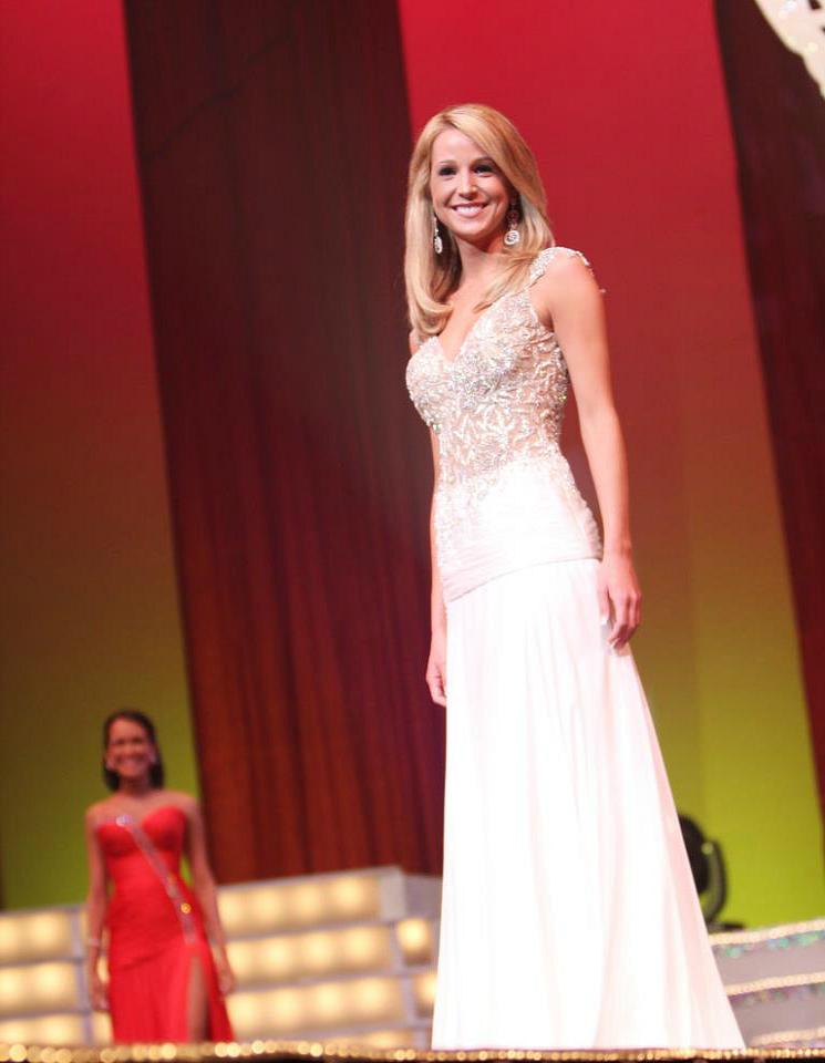Miss Pinellas County and Miss Tampa Bay USA Stephanie Ziajka of Diary of a Debutante shares tips for beauty pageant contestants