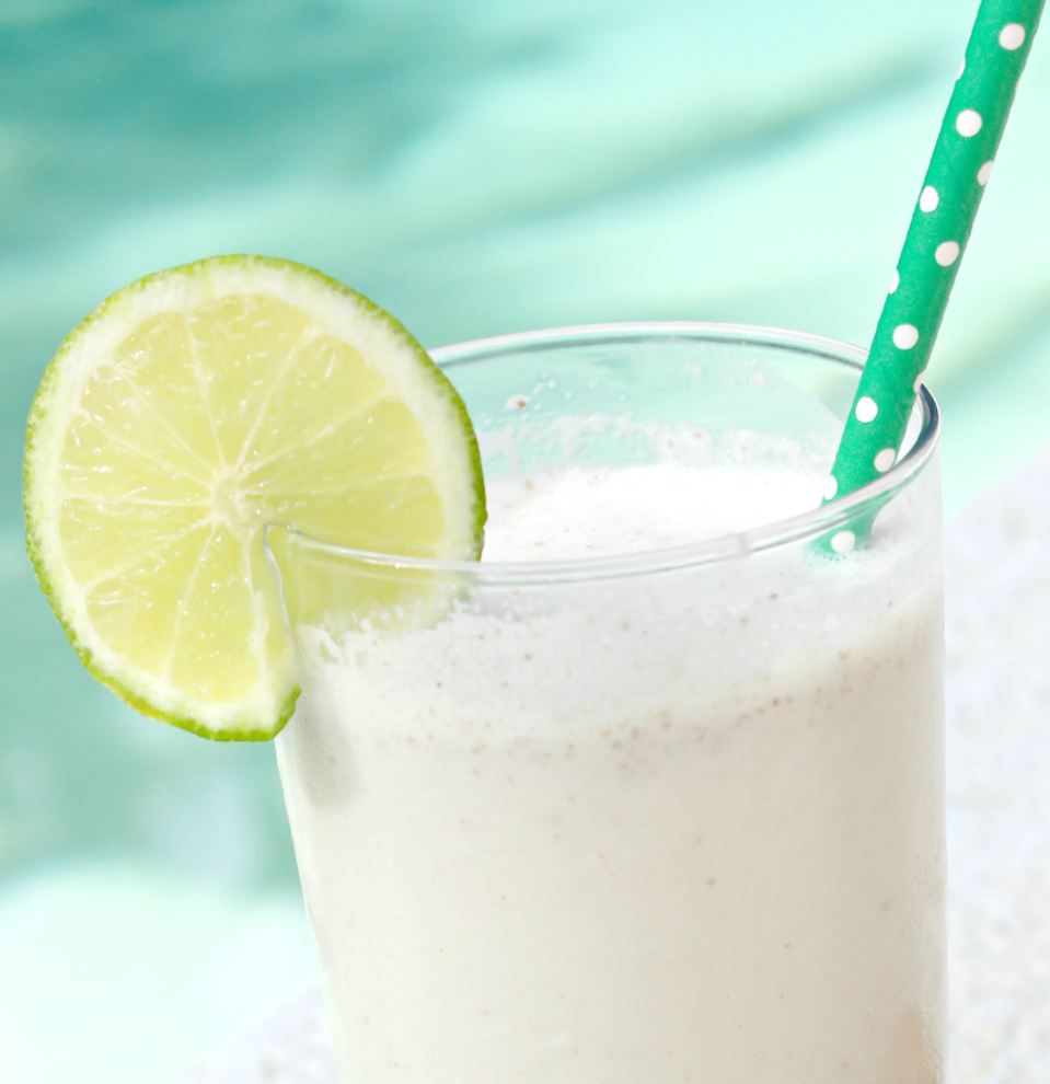 Low calorie coconut chia smoothie recipe