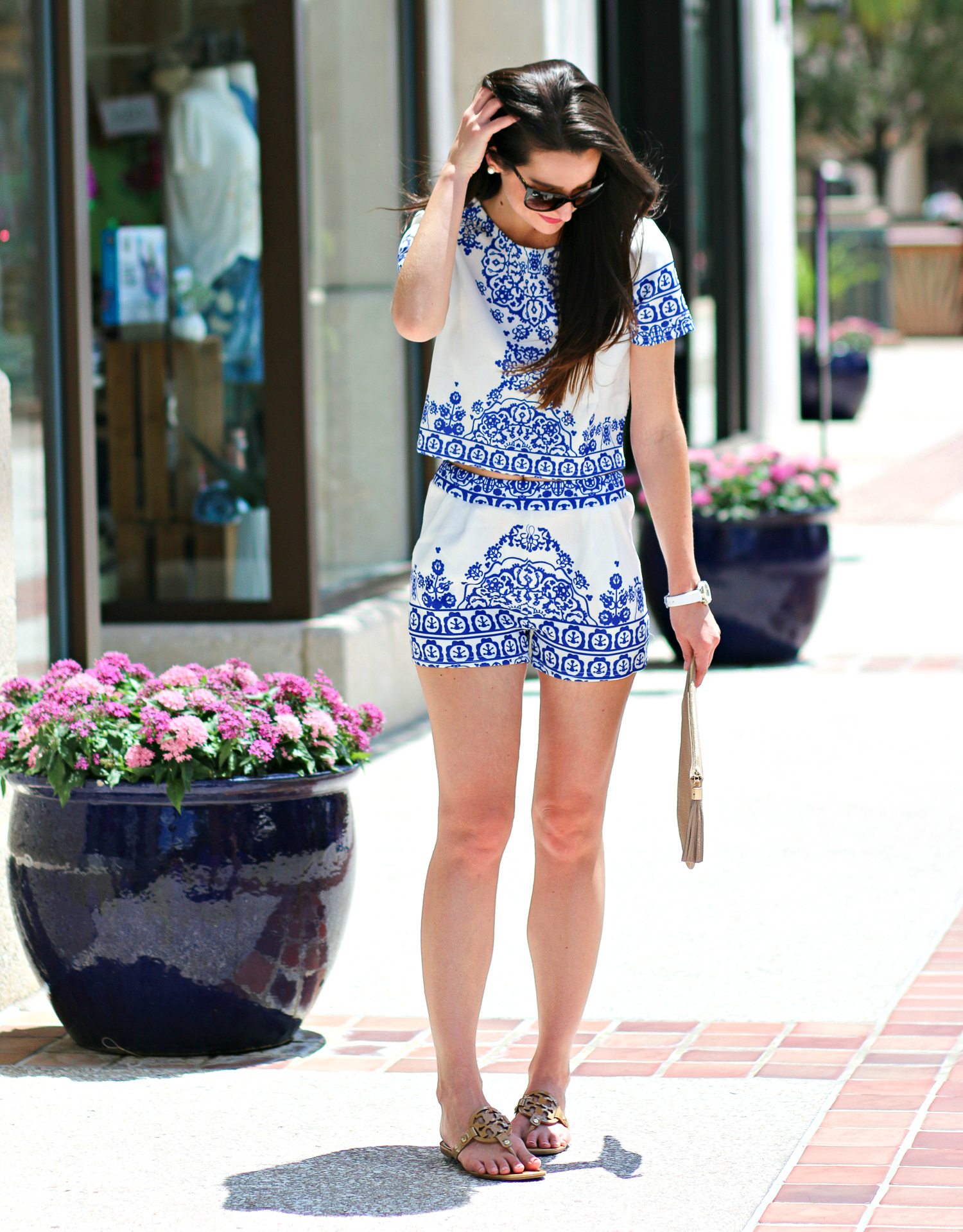 SheIn Matching Crop Top and Shorts Set in Pretty Blue Porcelain Print