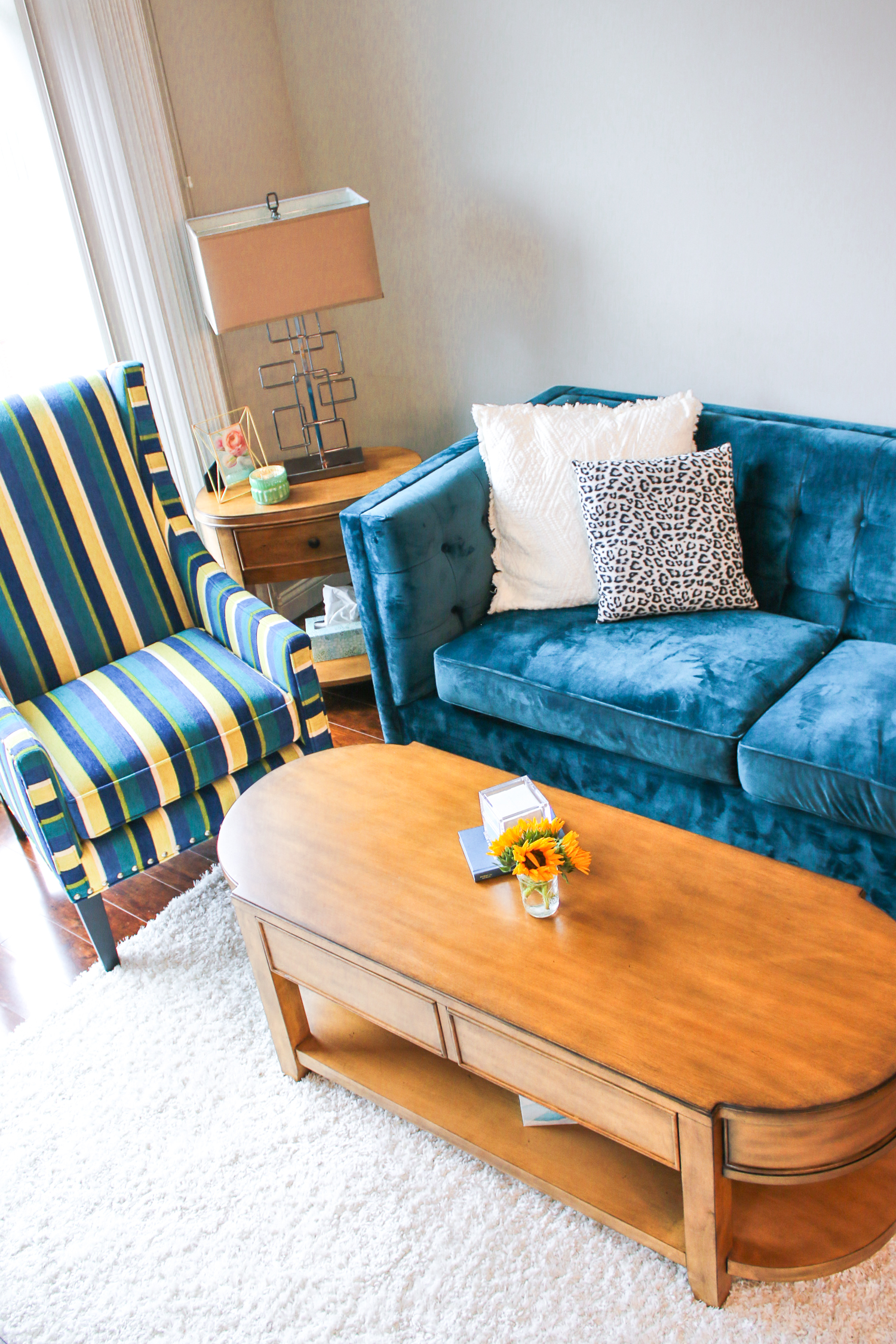 Columbia Apartment Tour: How to Decorate and Furnish a Temporary Apartment on a Budget by southern lifestyle blogger Stephanie Ziajka from Diary of a Debutante