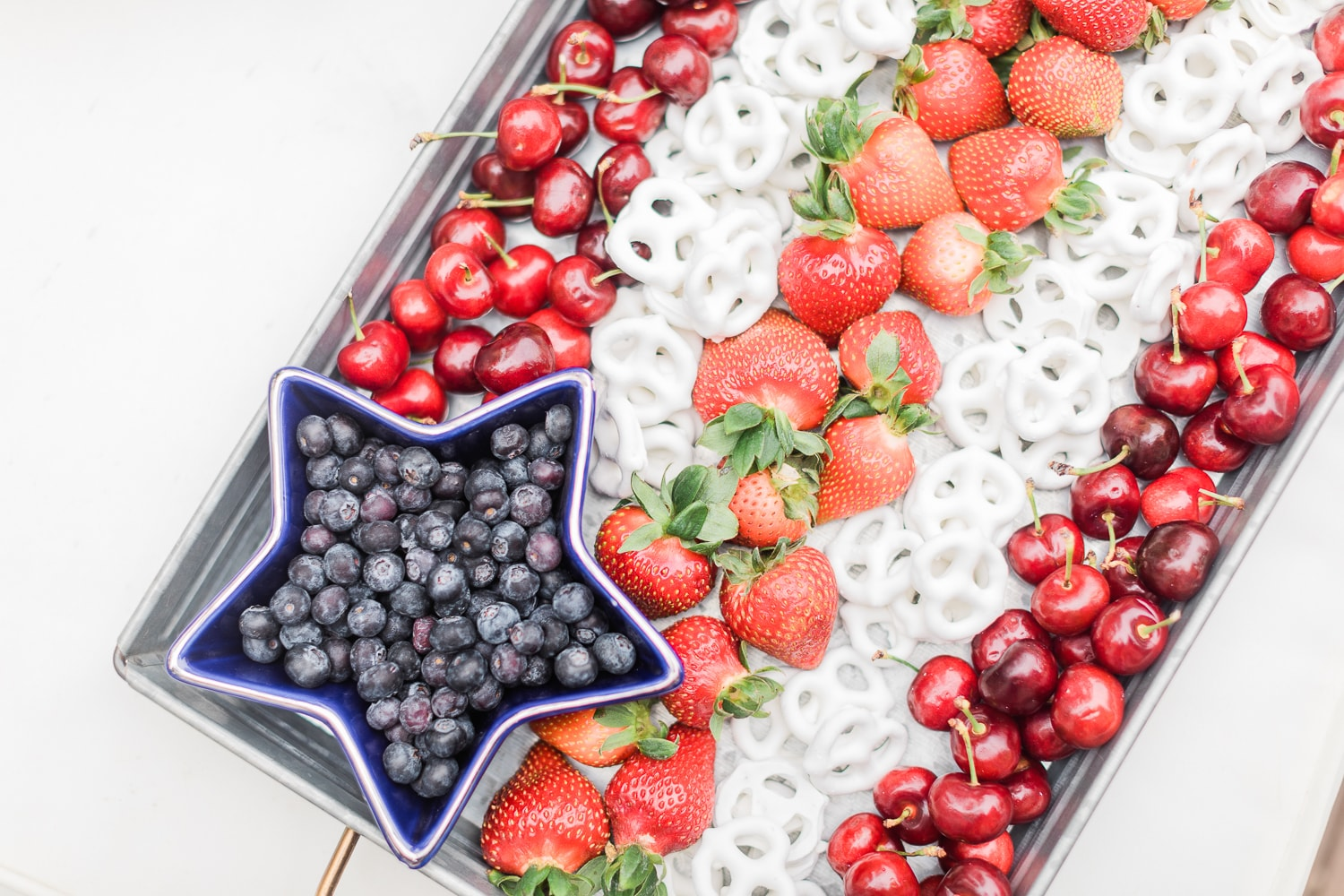 Patriotic red white and blue snack tray created by blogger Stephanie Ziajka on Diary of a Debutante