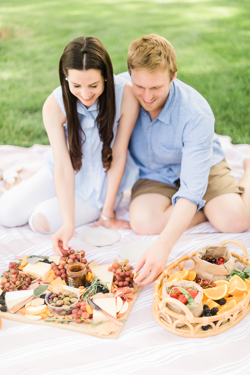 Date Night: How to Plan the Perfect Summer Picnic by Missouri blogger Stephanie Ziajka from Diary of a Debutante, romantic picnic ideas for him, the perfect picnic date, what to bring on a picnic date, what to take on a picnic date, cute picnic date ideas, how to plan a picnic date, AVA Grace wine review