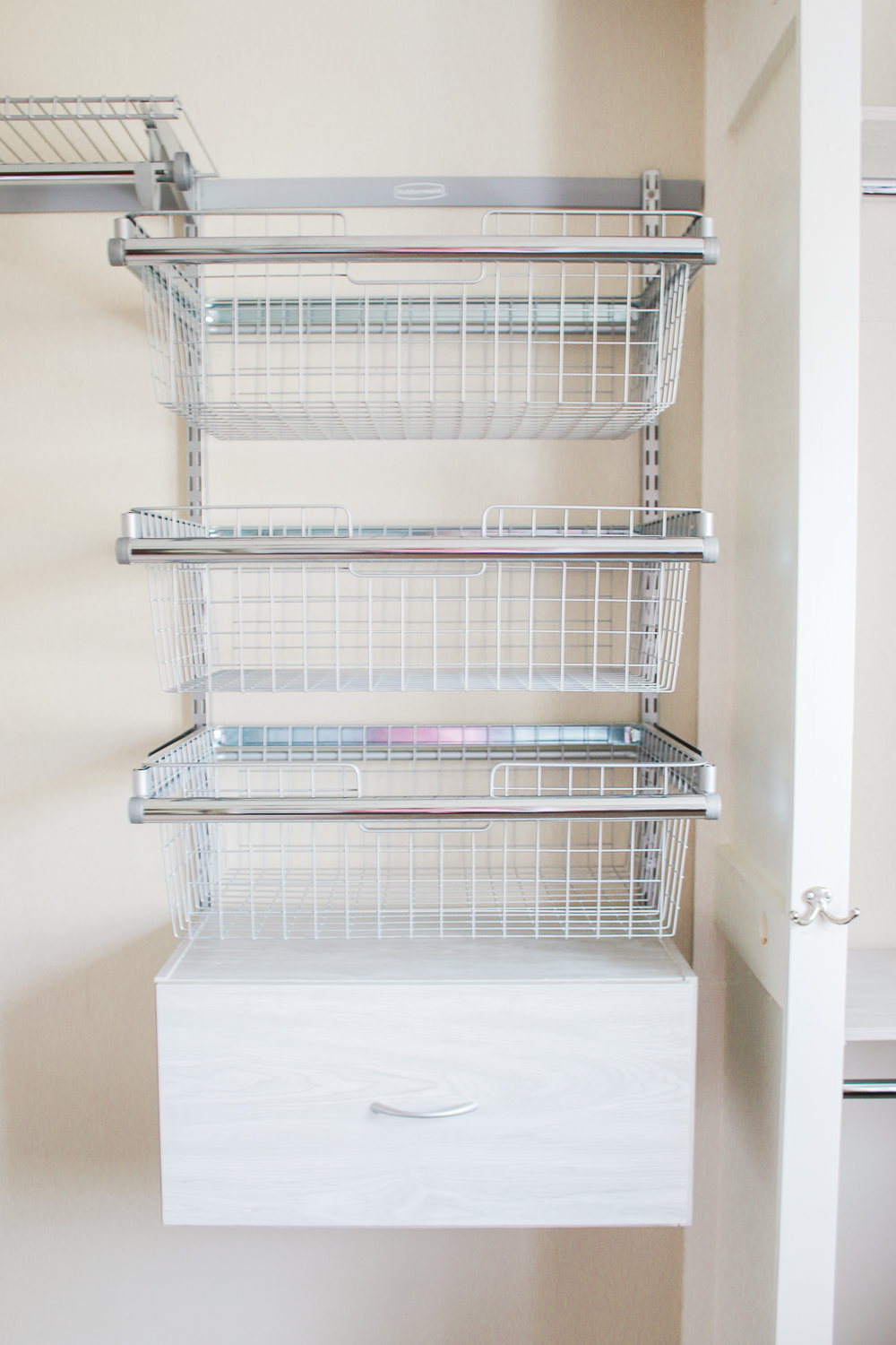 How To Refresh Your Closet With A Rubbermaid Fasttrack