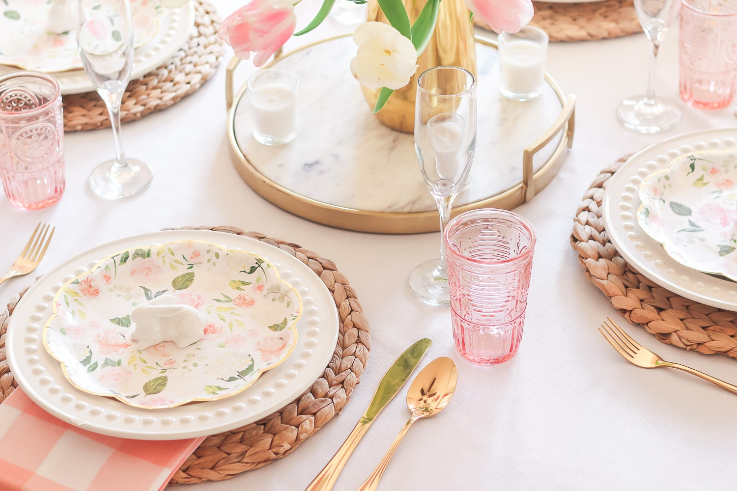 Southern lifestyle blogger Stephanie Ziajka shares some Easter table place setting ideas on Diary of a Debutante