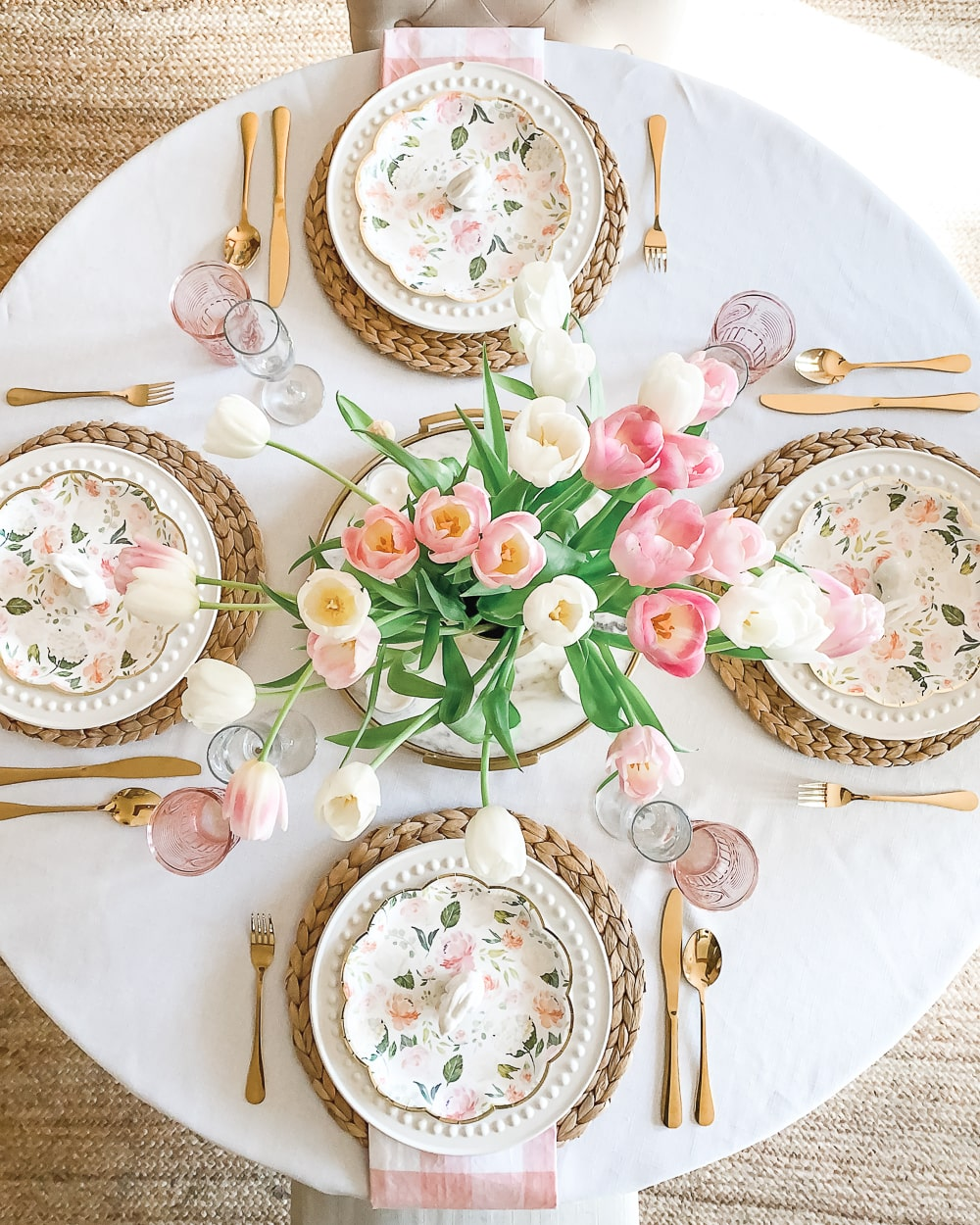 Southern lifestyle blogger Stephanie Ziajka shares some Easter table setting ideas on Diary of a Debutante