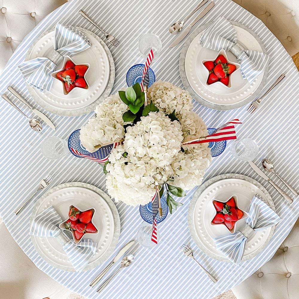 Patriotic tablescape idea by blogger Stephanie Ziajka on Diary of a Debutante