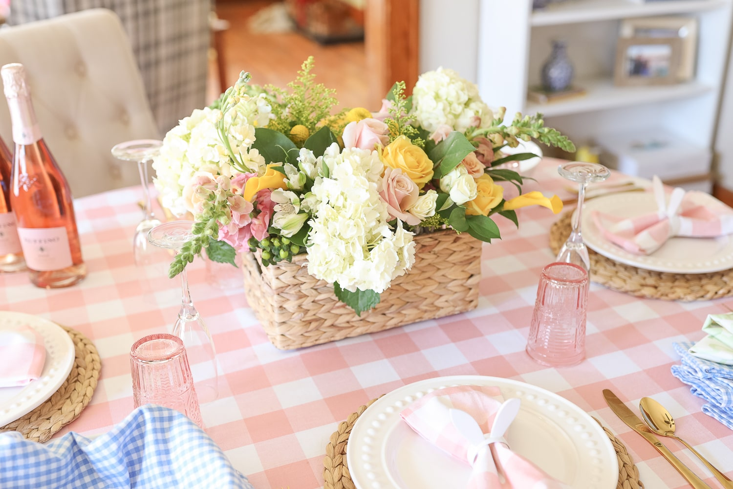 Blogger Stephanie Ziajka shares her top 10 floral tips from HBO's Full Bloom on Diary of a Debutante