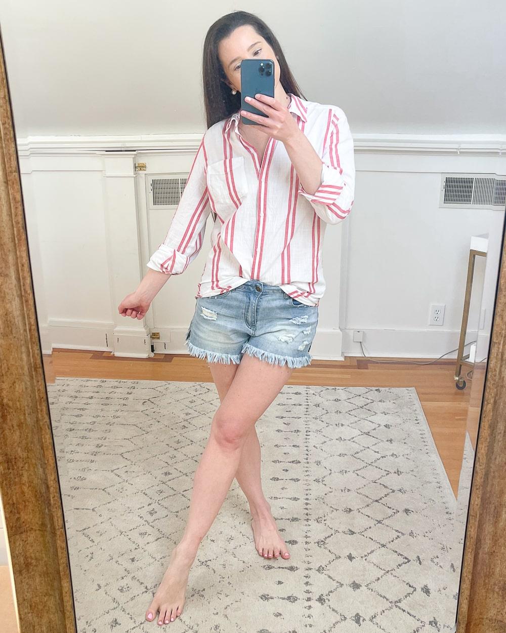 Amazon Goodthreads Women's Washed Cotton Boyfriend Tunic in White Cardinal Double Stripe worn by affordable fashion blogger Stephanie Ziajka on Diary of a Debutante