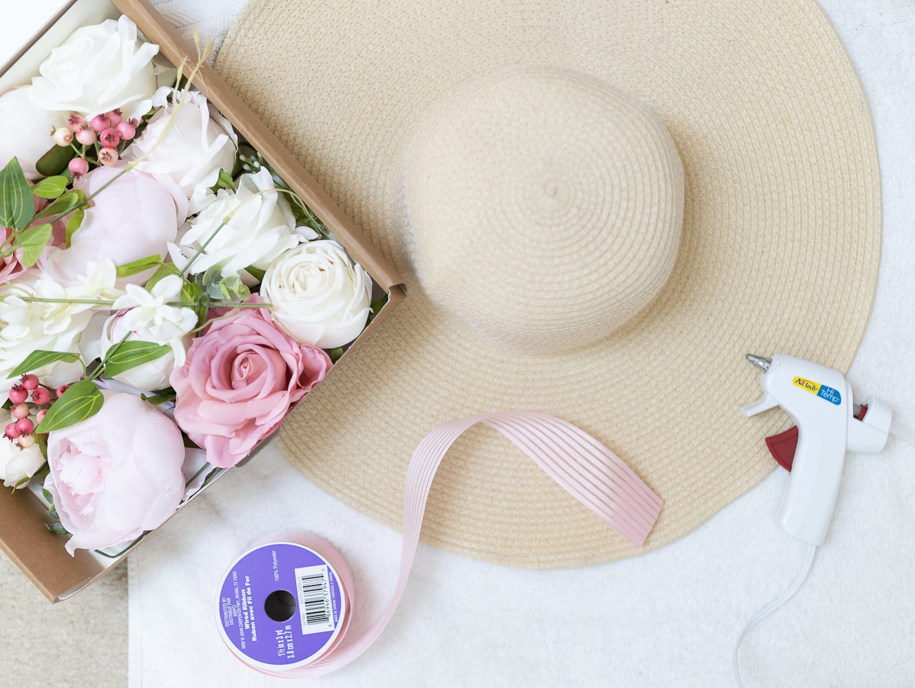 Everything you need to make Kentucky Derby hat on Diary of a Debutante