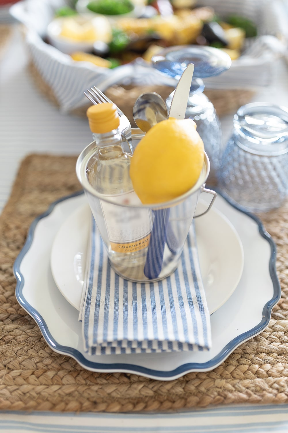 Clambake party tablescape ideas by blogger Stephanie Ziajka on Diary of a Debutante
