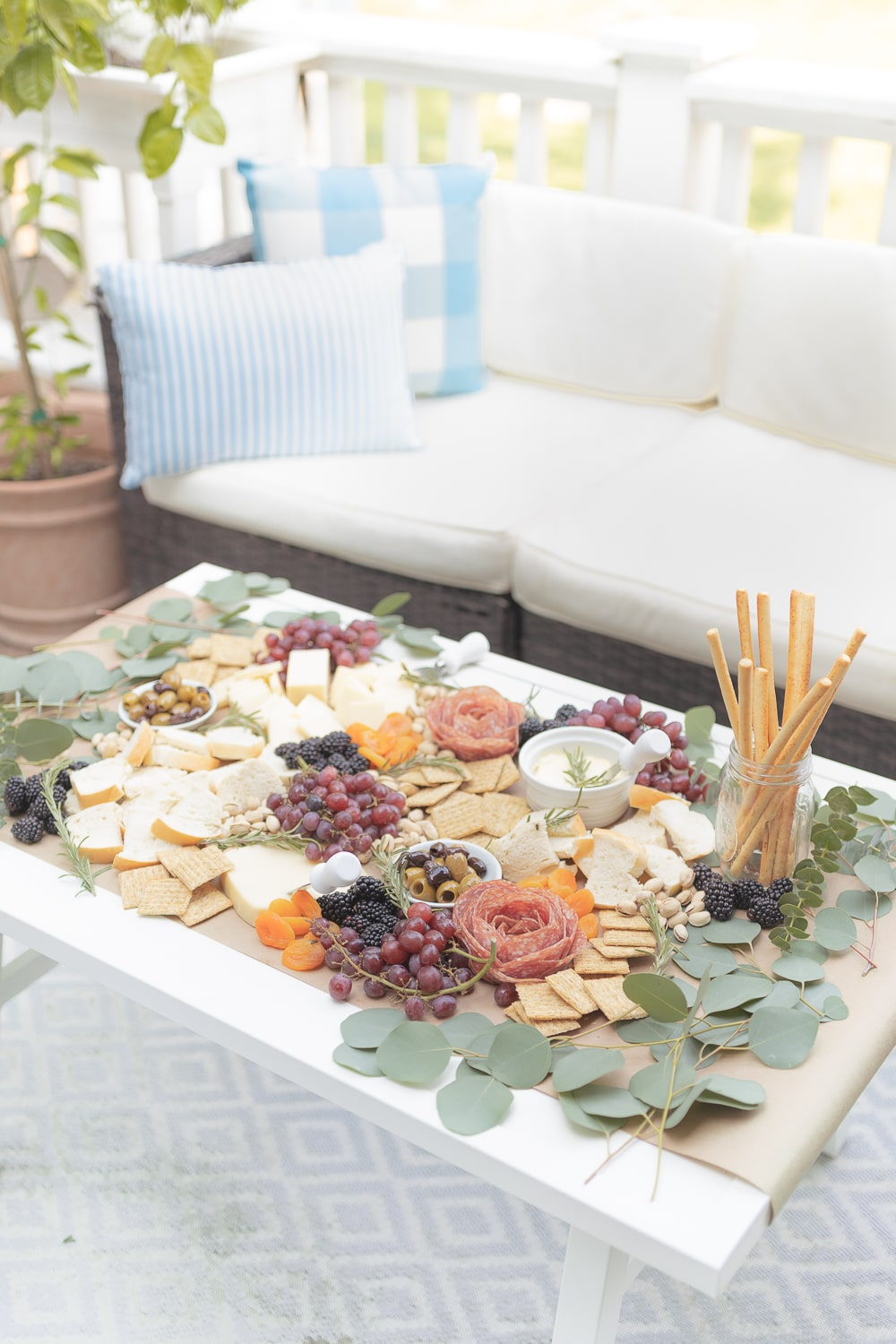 Affordable grazing table ideas from blogger Stephanie Ziajka on Diary of a Debutante
